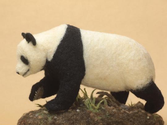 羊毛フェルトパンダ
