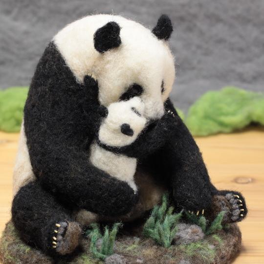 羊毛フェルト親子パンダ